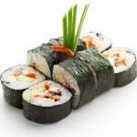 7772712-cucina-giapponese--sushi-roll-con-gamberetti-e-conger-avocado-tobiko-e-formaggio
